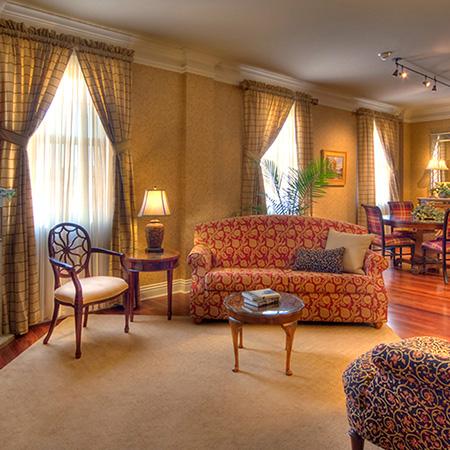 Deluxe King Suite of Charley Creek Inn - Wabash, Indiana