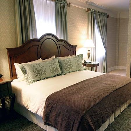 King Junior Suite of Charley Creek Inn - Wabash, Indiana