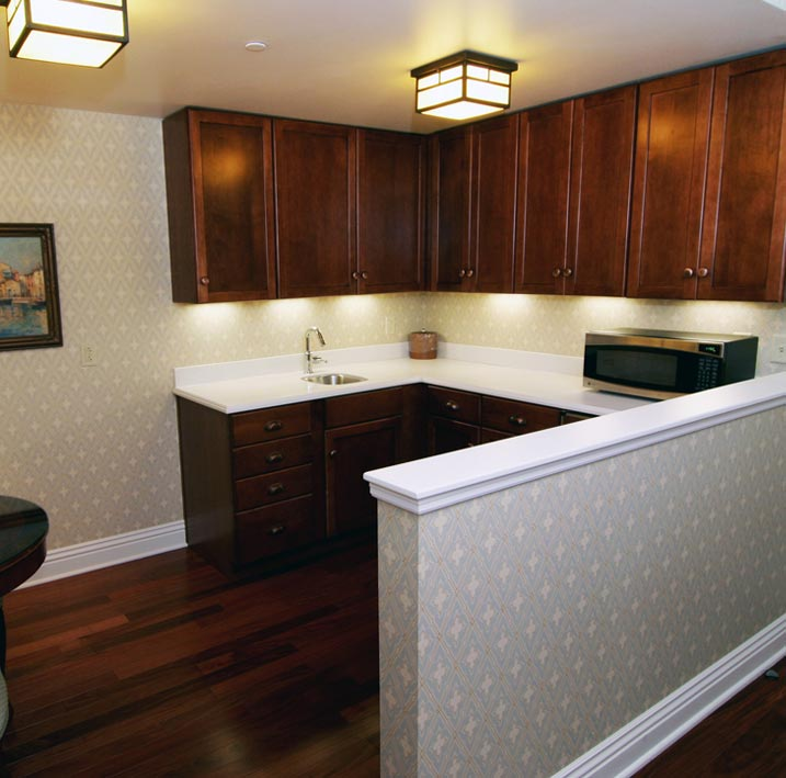 Gene Stratton Porter Full Suite (Room 416) at Charley Creek Inn - Wabash, Indiana