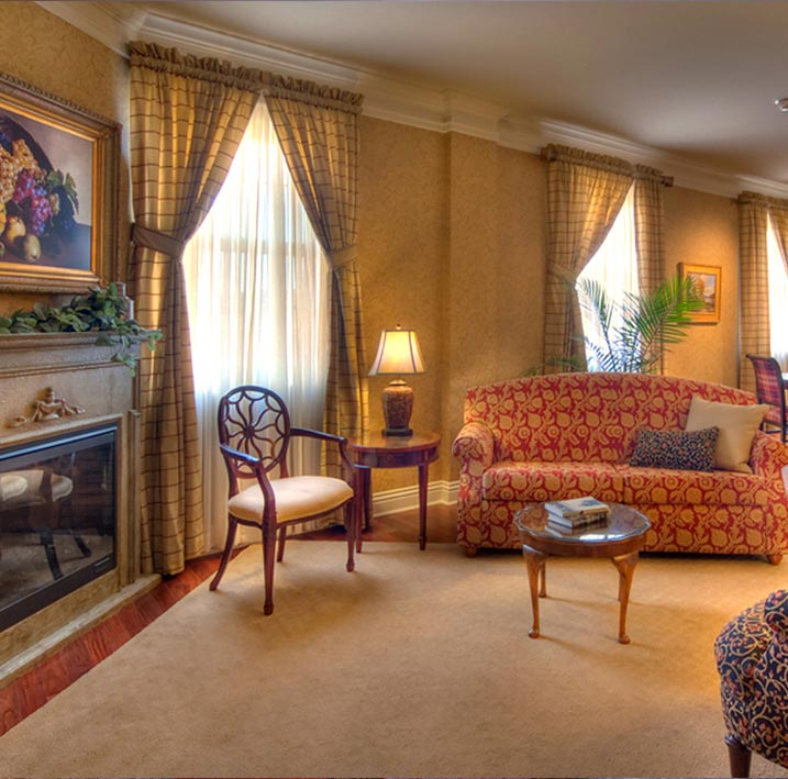 Hanna Conner Stewart Deluxe King Suite (Room 417) at Charley Creek Inn - Wabash, Indiana