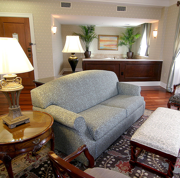 Lutz Honeywell Romantic Deluxe Suite (Room 400) at Charley Creek Inn - Wabash, Indiana