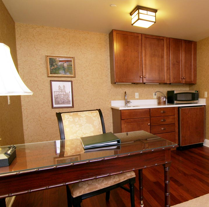 Wabash & Erie Canal Full Suite (Room 405) at Charley Creek Inn - Wabash, Indiana